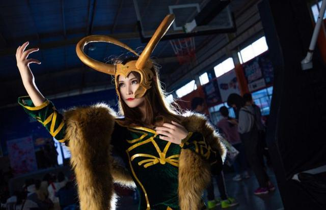 Loki women's cosplay